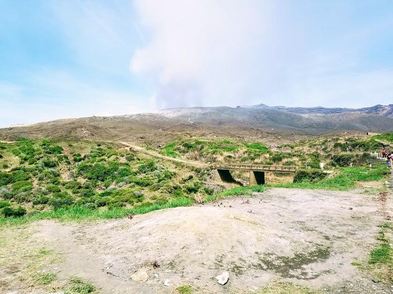 阿蘇山頂ドライブインから眺めたカルデラの様子